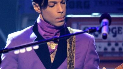 Prince najavio autobiografiju za kraj 2017.