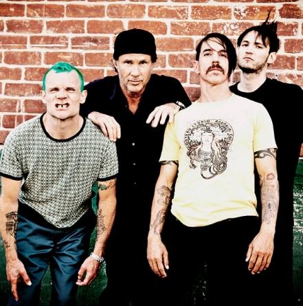 Carinici od Peppersa tražili da se potpišu na CD Metallice