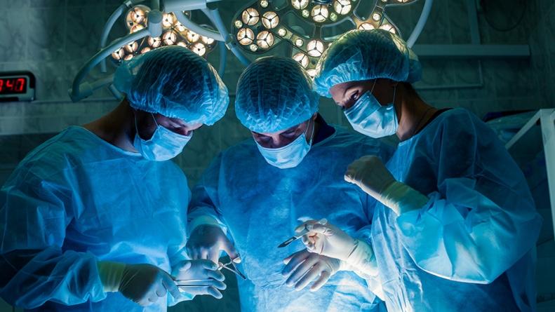 Hirurzi tokom operacija najviše slušaju rok