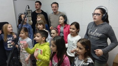 Dečiji hor Čuperak i DLM rade na pesmi 'Dobar dan'