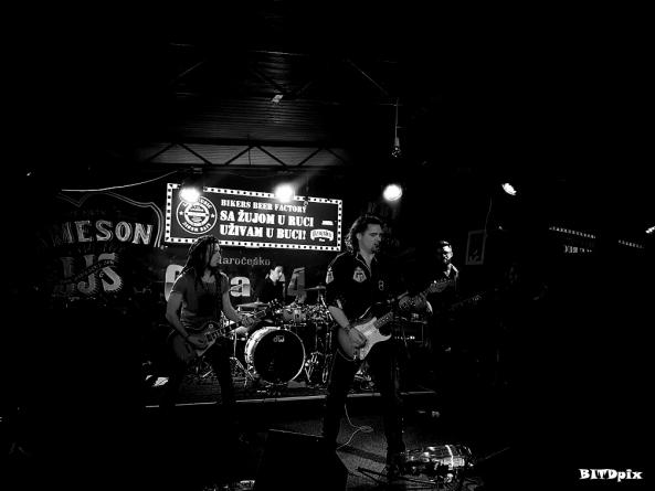 Žestoki koncert hard rock banda Cota G4 dostupan online