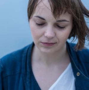 """Ana Avramov predstavila novi singl """"Shapes"""" sa Cyrill Limom"""