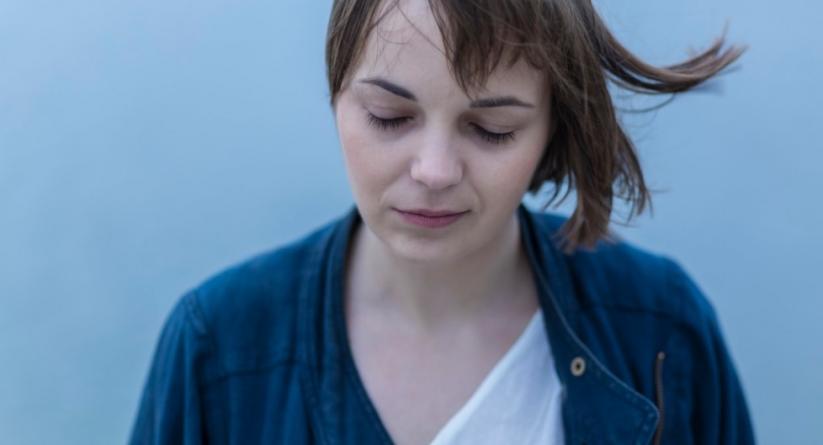 "Ana Avramov objavila spot za singl ""Autumn thrills"""
