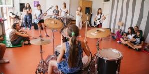 Završni koncert treće generacije Rok kampa za devojčice