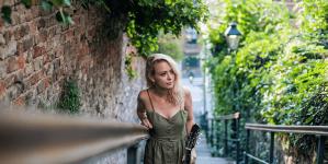 Nina Bajsić donosi svoj vintage-folk na Akustiku u Rockmark
