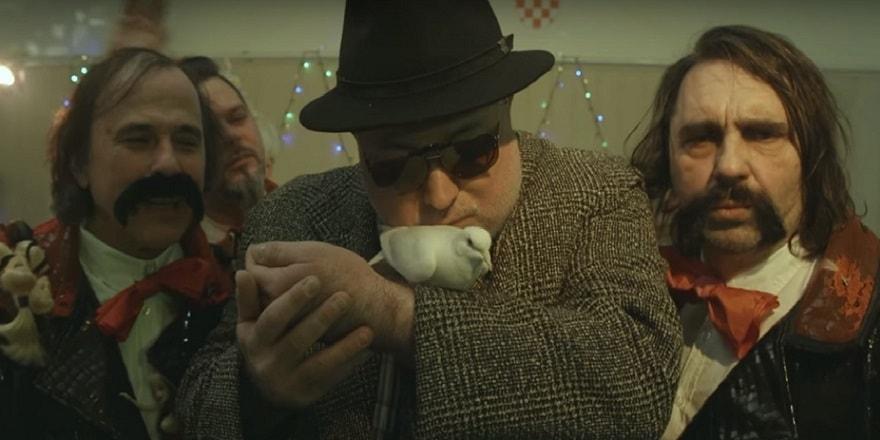 AntiValentinovo #4 warm up gozba: Let 3 vas poziva na janjetinu i puštanje golubova