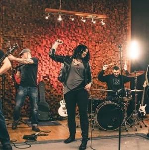 "The Bite predstavio novi singl i spot ""Znaš"""