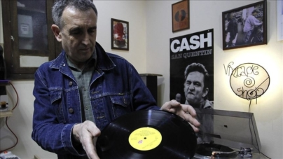"""""""Vintage shop"""" – jedina prodavnica gramofonskih ploča u Nišu održava slavu vinila"""