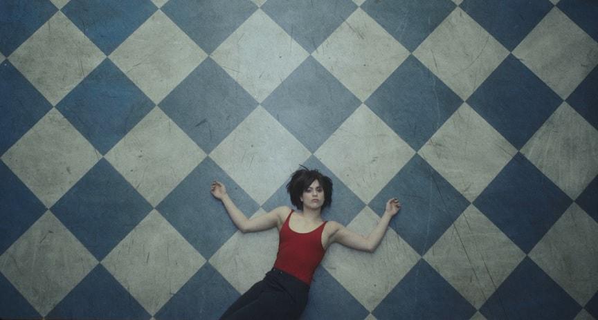 Glumica Miona Marković u spotu benda Buč Kesidi