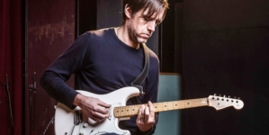 Gitarista Radioheada objavljuje svoj prvi solo album