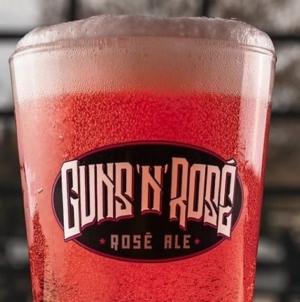 Guns N' Roses tuže pivaru zbog zaštitnog znaka grupe na pivu
