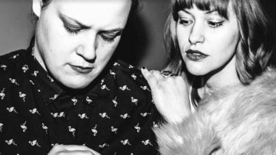 Neon Wife predstavili prvi singl – Novi projekt Irene Žilić i Lucije Potočnik
