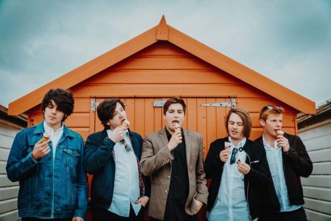 'Sirens' – the new single and video from Haytor