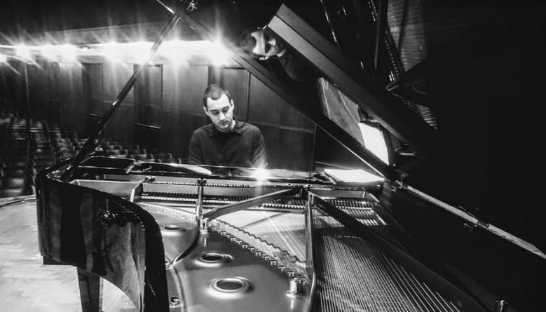 """Miljan Mitrović, pijanista i kompozitor: """"Domaća džez scena je puna nove energije"""""""