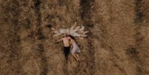 """J.R. August predstavio spot za pjesmu """"Crucify Me"""""""