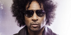 "William DuVall predstavio live video za singl ""Smoke and Mirrors"""