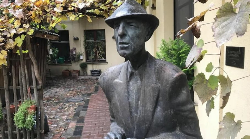 U Vilniusu otkriven kip u čast Leonarda Cohena