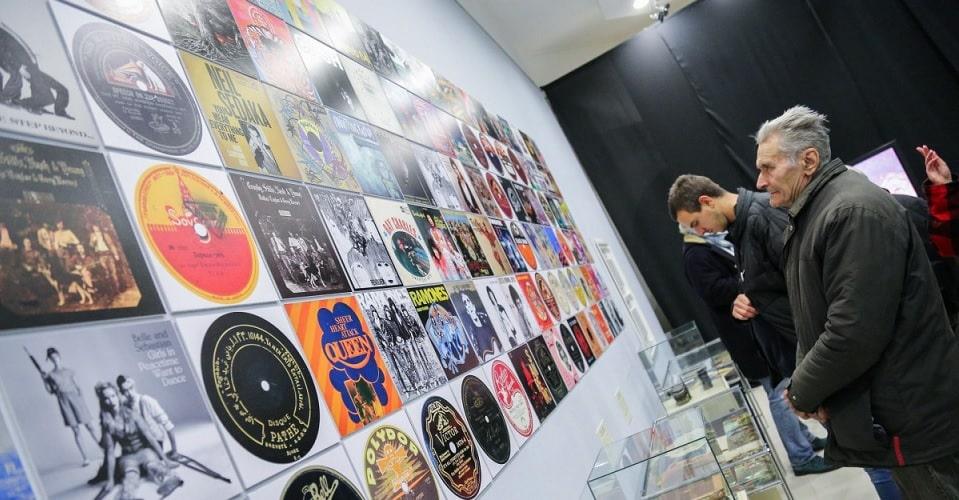 gradski-muzej-otvaranje-izlozbe-lp-istorija-gramofona-i-zlatno-doba-ploca