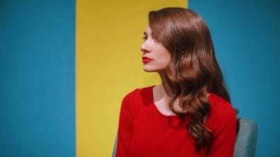 Sara Renar vraća se rooftop sessionima te najavljuje novi singl i suradnju
