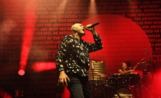 """Nakon 18 godina, grupa Midnight Oil vraća se novim singlom – """"Gadigal Land"""""""