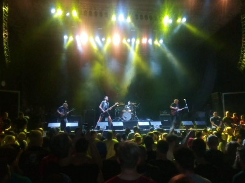 Punk Rock Holiday33